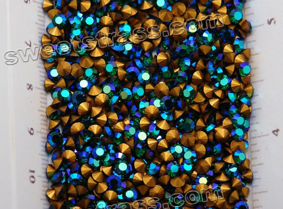 Pointed Back Austria Rhinestones Wholesale Distributors Emerald AB SS23