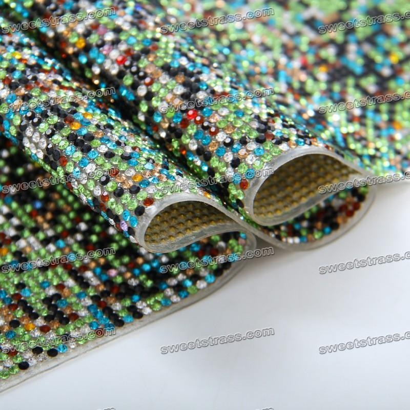 Adhesive Rhinestones on a Roll Wholesale Adhesive Rhinestone