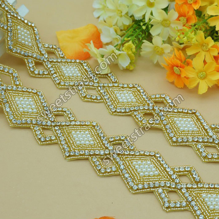 2015 Custom Gold Base Beaded Rhinestoen Weddding Applique Trim