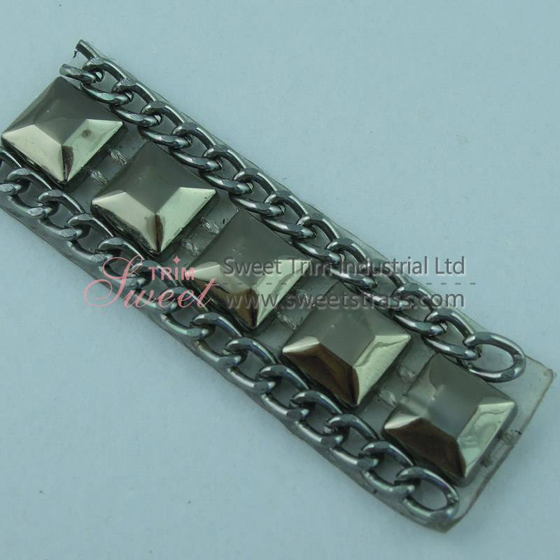 Hot Fix Gun Metal Chain And Square Plastic Chain Strip With Glue