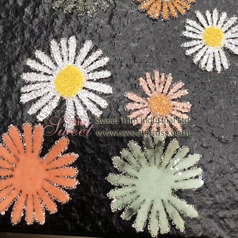 fancy color iron on rhinestone daisy flower patch for ladies clothes